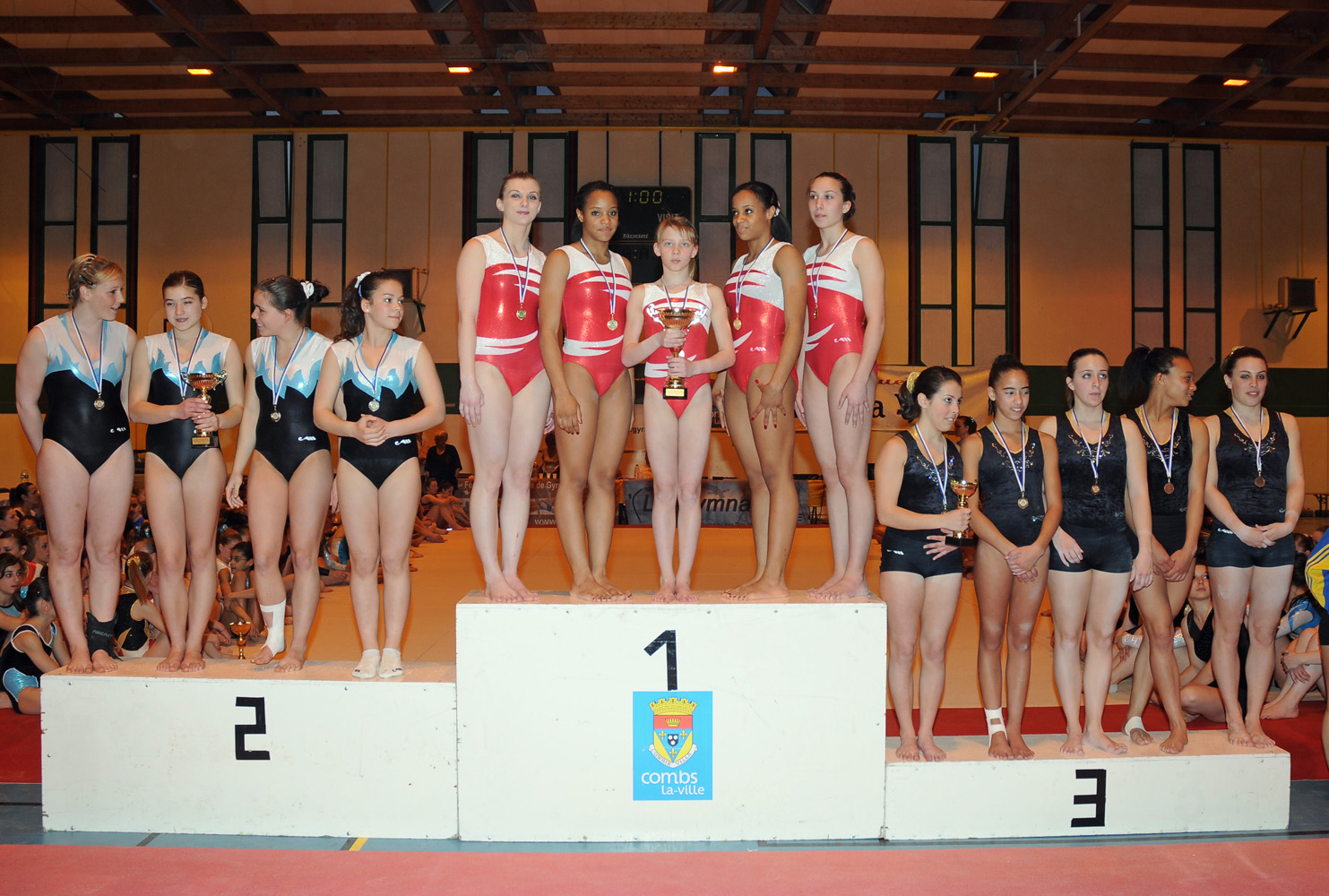 Podium zone 2010 combs.jpg